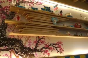 การตกแต่งในร้านเป็นแบบญี่ปุ่น ดูน่ารักดีครับ